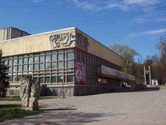 Нижний Новгород: директор ТЮЗа требует проверить свой театр.
